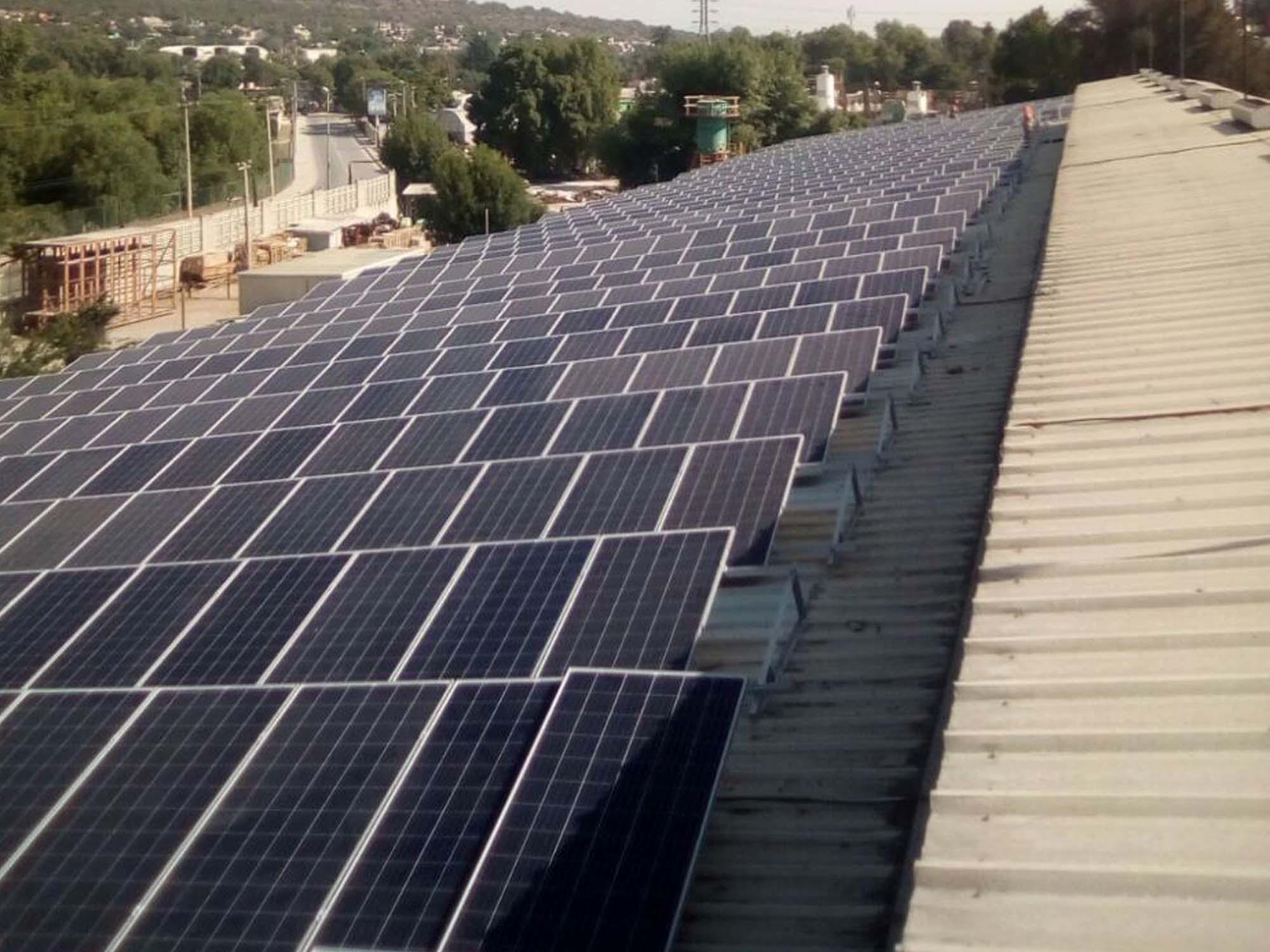 instalacion solar techo fabrica